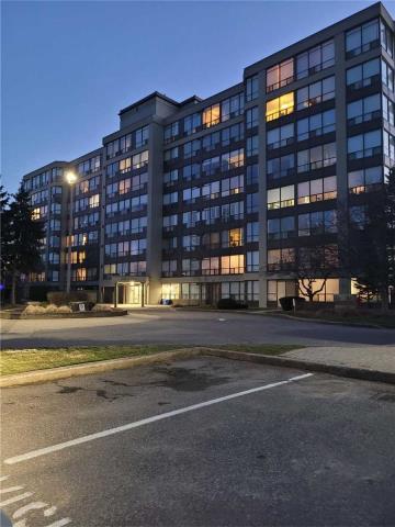 pictures of 5100 Dorchester Rd, Niagara Falls L2E7H4