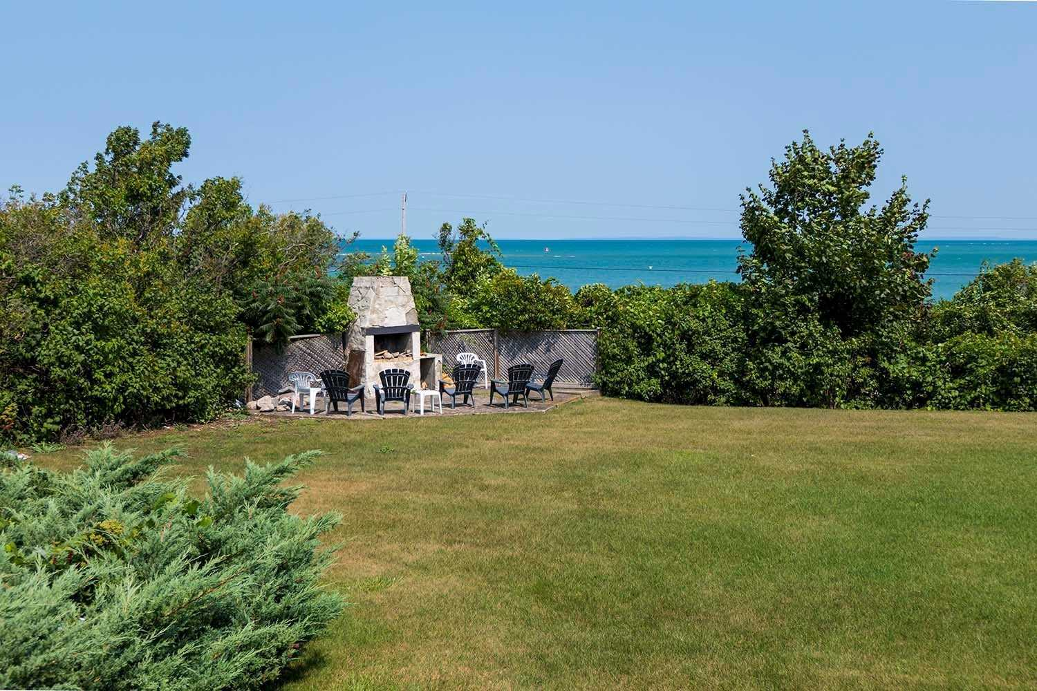 pictures of 139 Lakeshore Rd E, Blue Mountains L9Y0N1