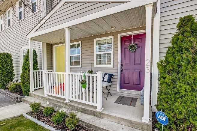 pictures of 608 Simcoe St, Niagara-on-the-Lake L0S1J0