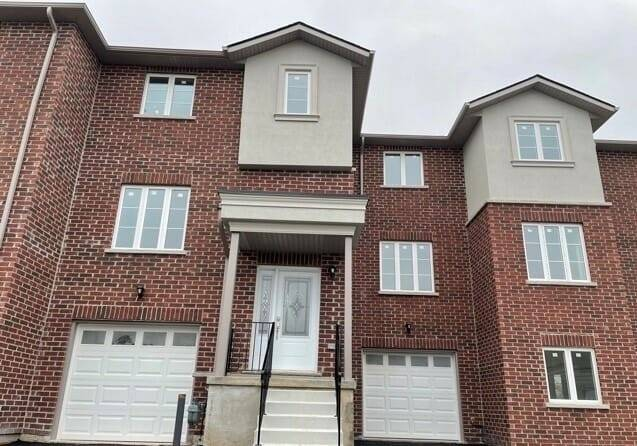 pictures of 17 East St, St. Catharines L2R3Y9