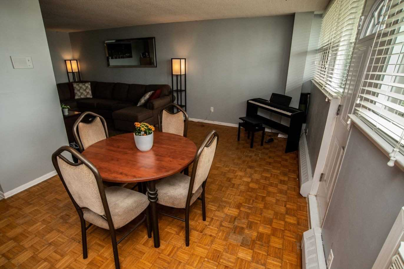 Image 20 of 20 showing inside of 1 Bedroom Condo Apt Apartment for Sale at 215 Glenridge Ave Unit# 310, St. Catharines L2T3J7