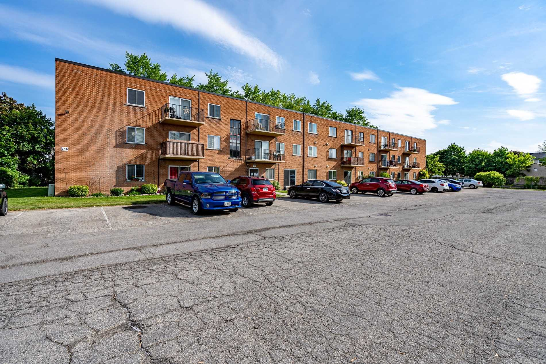 pictures of 456 Carlton St, St. Catharines L2M4X1