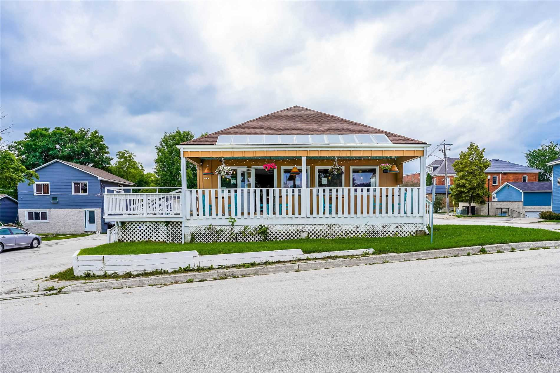 pictures of 12 Bayfield St, Meaford N4L1G1