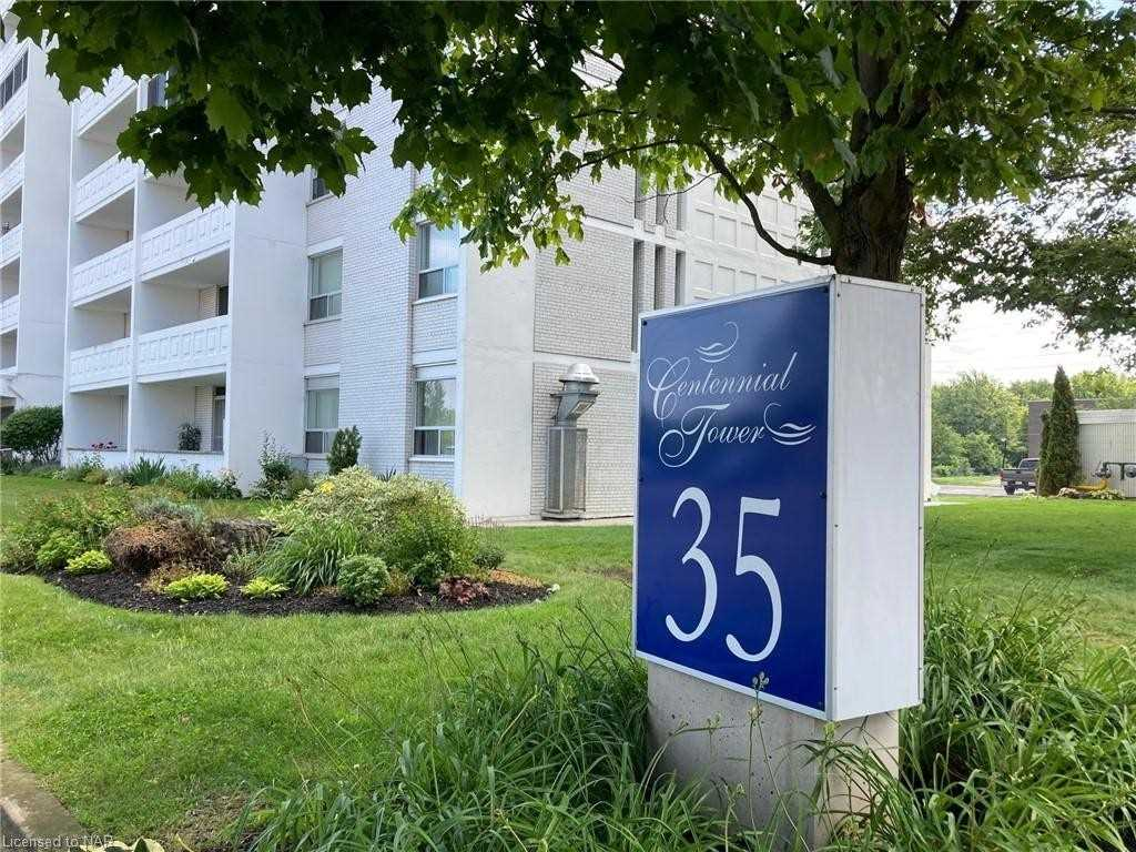 pictures of 35 Towering Heights Blvd, St. Catharines L2T3G8