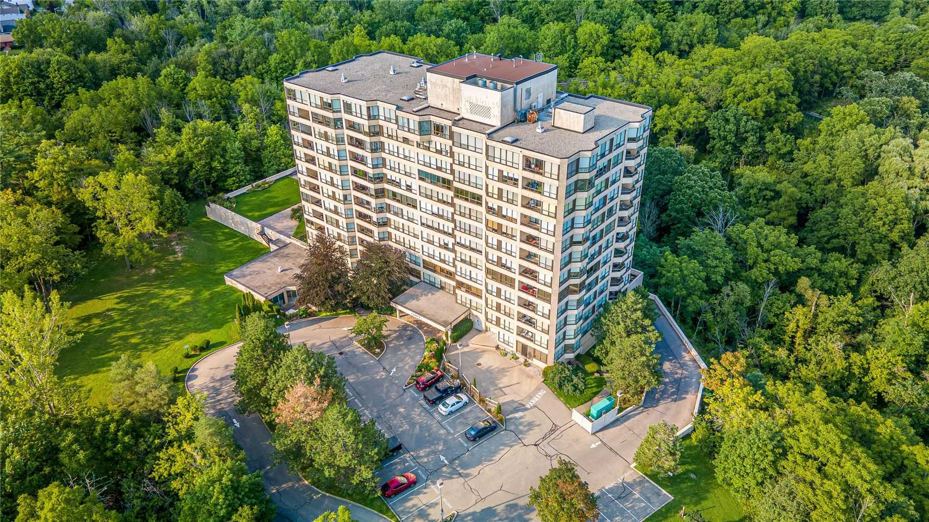 pictures of 3 Towering Heights Blvd, St. Catharines L2T4A4