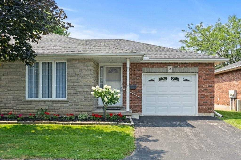 pictures of 146 North Park St, Brant N3R4K5