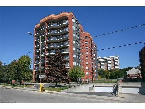 pictures of 10 Ellen St E, Kitchener N2H6R8