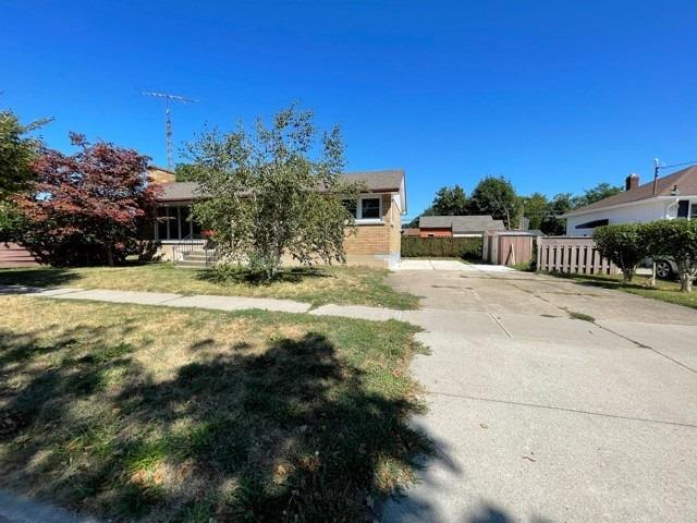 pictures of 92 Margery Ave, St. Catharines L2R6K1