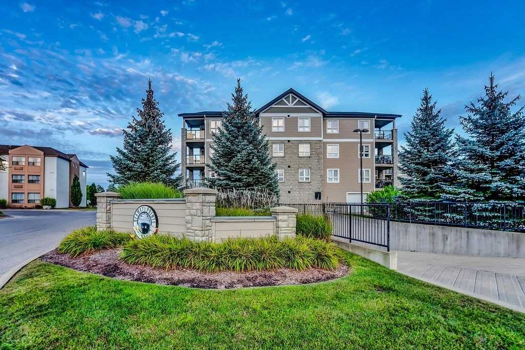 pictures of 330 Prince Charles Dr, Welland L3C7B3