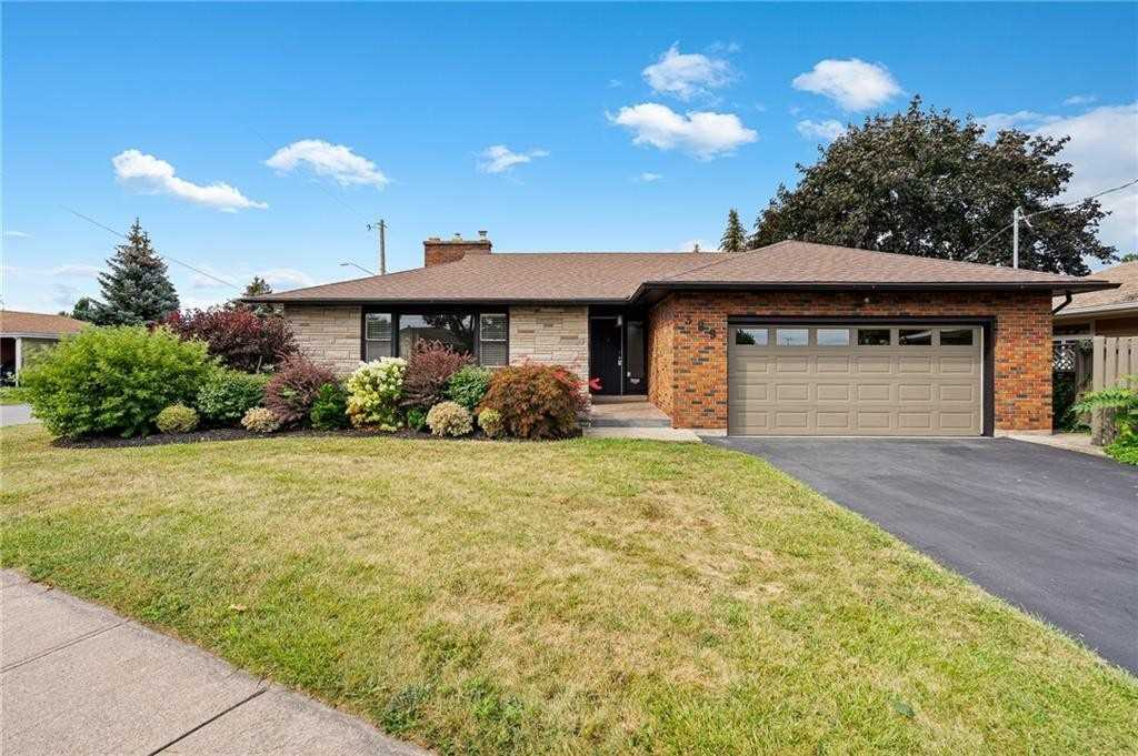 pictures of 389 Grantham Ave, St. Catharines L2M5B2