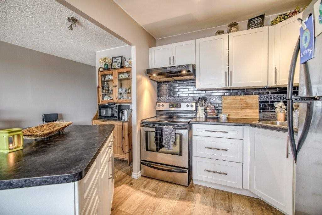 pictures of 65 Highland Cres, Kitchener N2M5M8