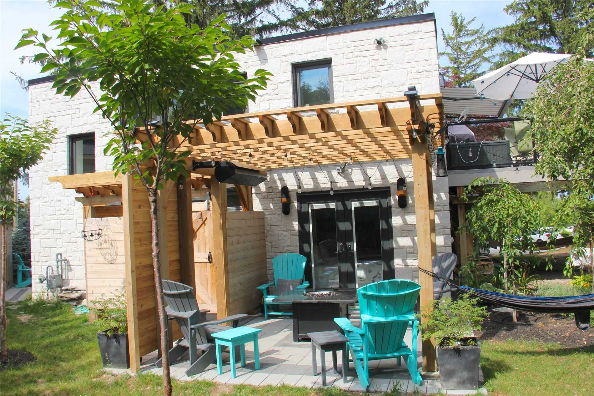 pictures of 114 Lakeshore Rd W, Blue Mountains L9Y0S6