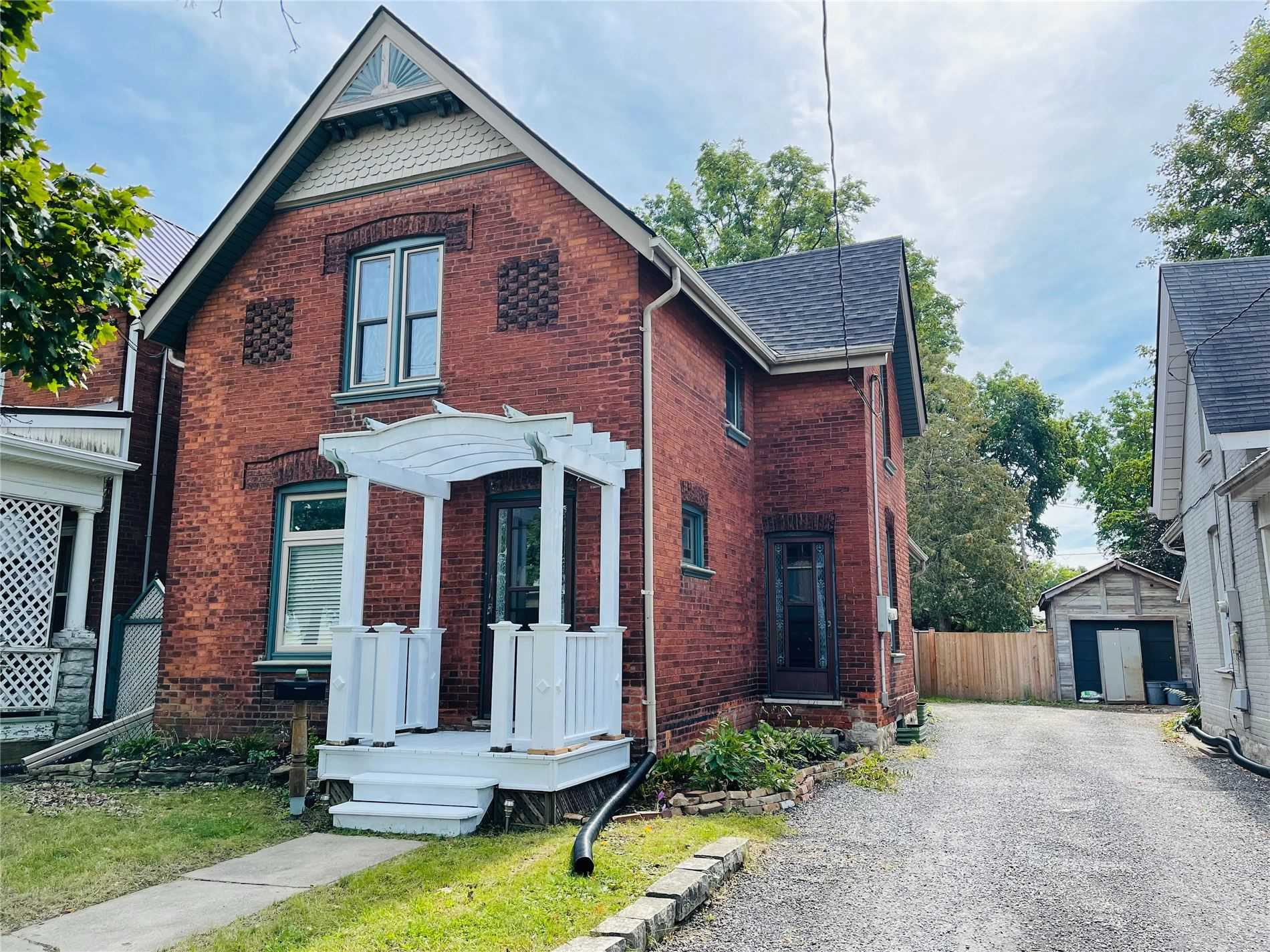 pictures of 19 Port St, Brantford N3S1X9
