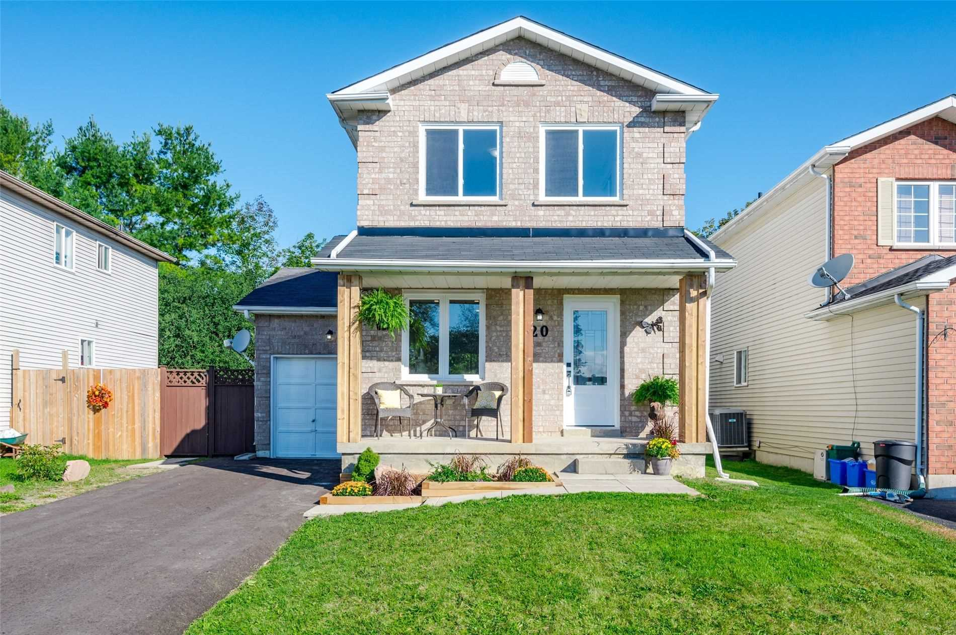 pictures of house for sale MLS: X5373872 located at 20 Nina Crt, Cavan Monaghan L0A1G0
